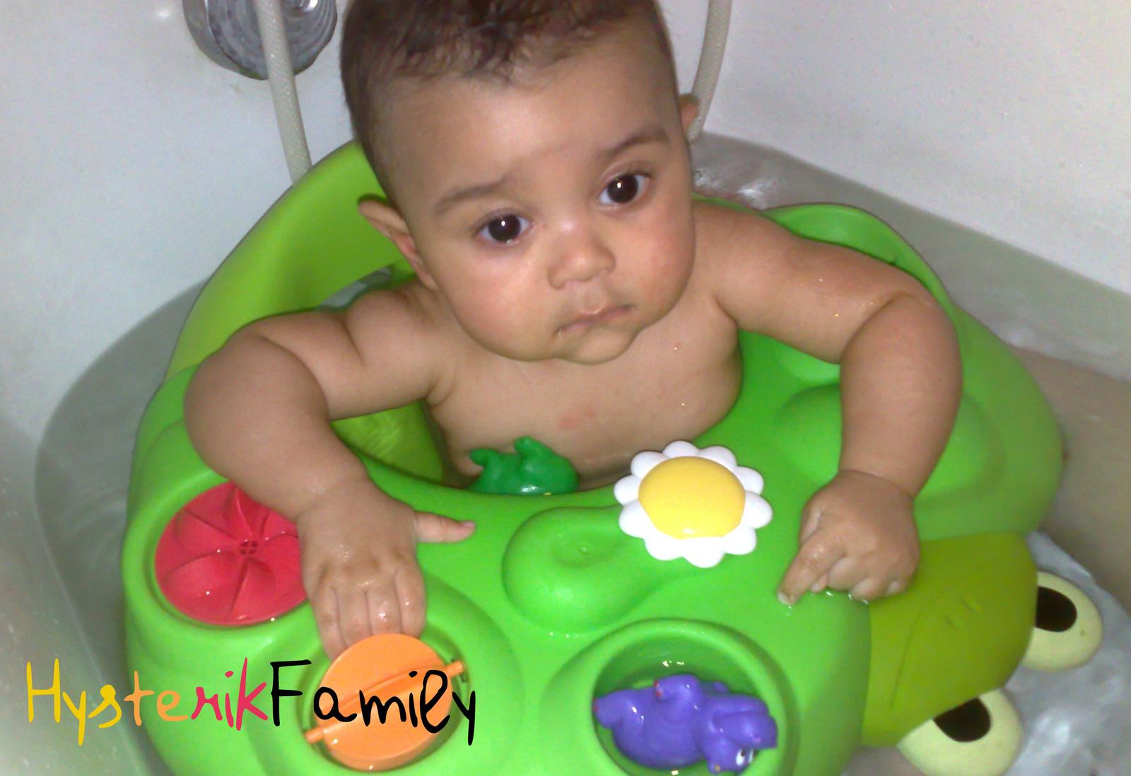 bain bébé 6 mois